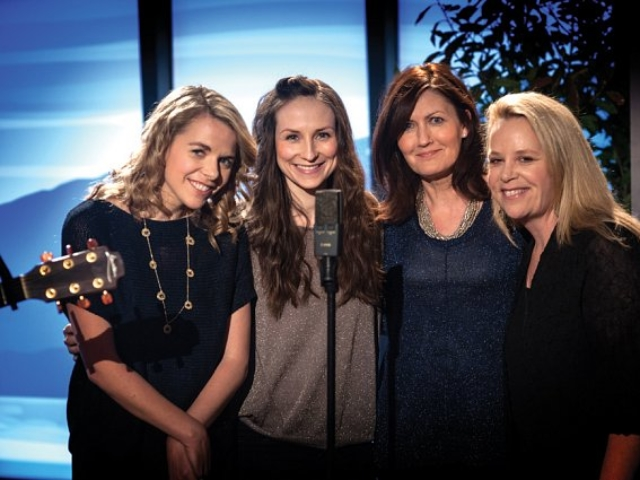 Aoife O'Donovan, Julie Fowlis, Karen Matheson & Mary Chapin Carpenter